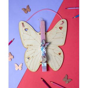 LifeLikes: Λαμπάδα με κρεμαστό διακοσμητικό Πεταλούδα 31.040.09