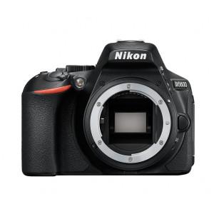 NIKON D5600 Body + SanDisk SD Ultra 16GB 80MB/s Class 10 VBA500AE